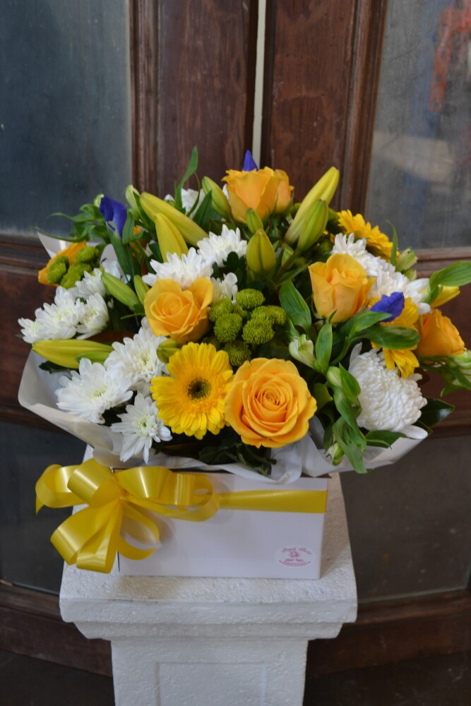 Sunshine (Flower Box Arrangement)